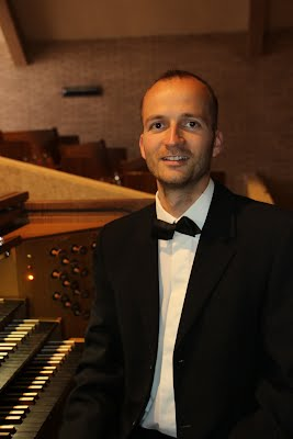 https://sites.google.com/site/vargazoltanorgona/bio/zoltan_varga_organist.JPG?attredirects=0